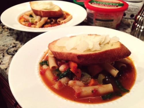 minestrone & garlic toast